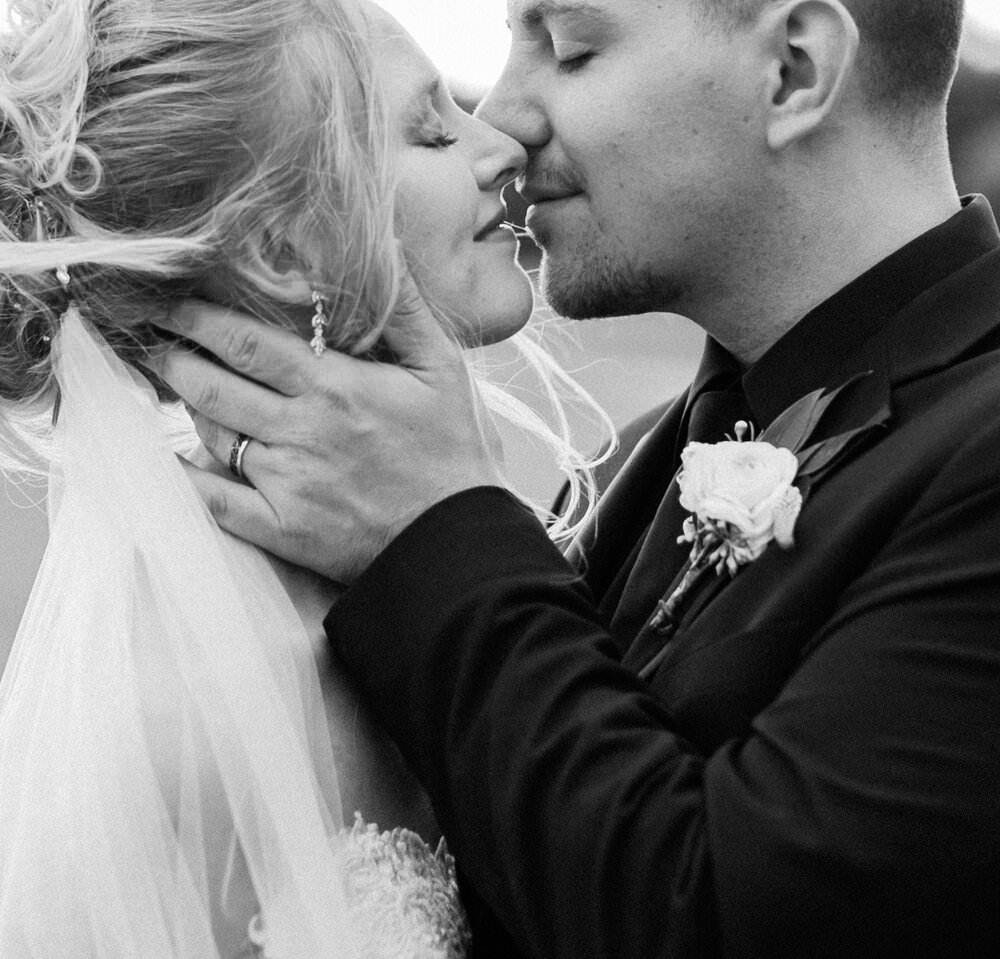 A Cheerful Sandy Pines Wedding | Blair + Zachary | De Motte, Indiana