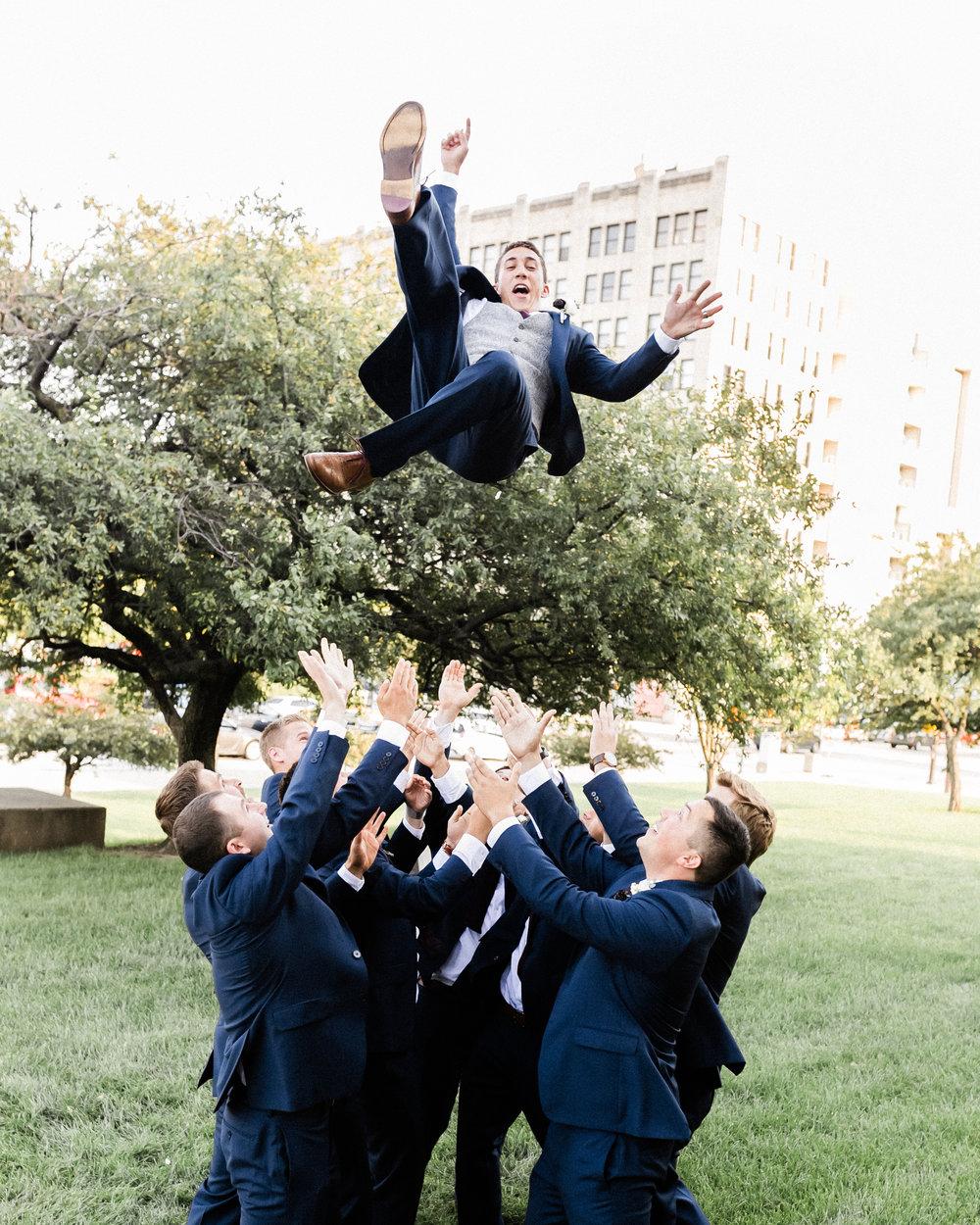 groom-toss