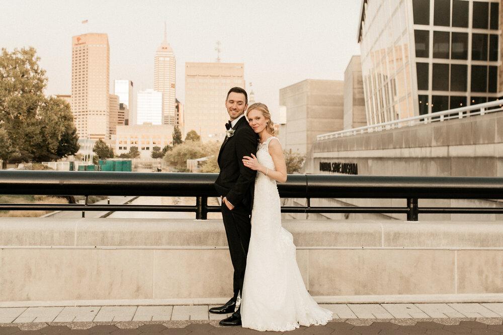 An Indiana State Museum Wedding | Rachel + Kyle | Indianapolis, Indiana
