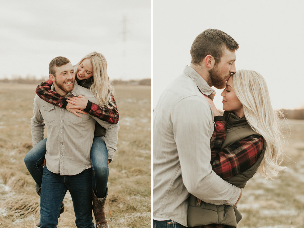 sunset-field-engagement-pictures.jpg